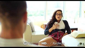 Image Estudante ninfetinha excitada dando a buceta